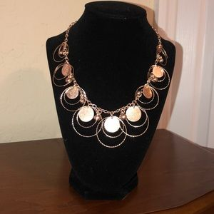 Circle detail statement necklace
